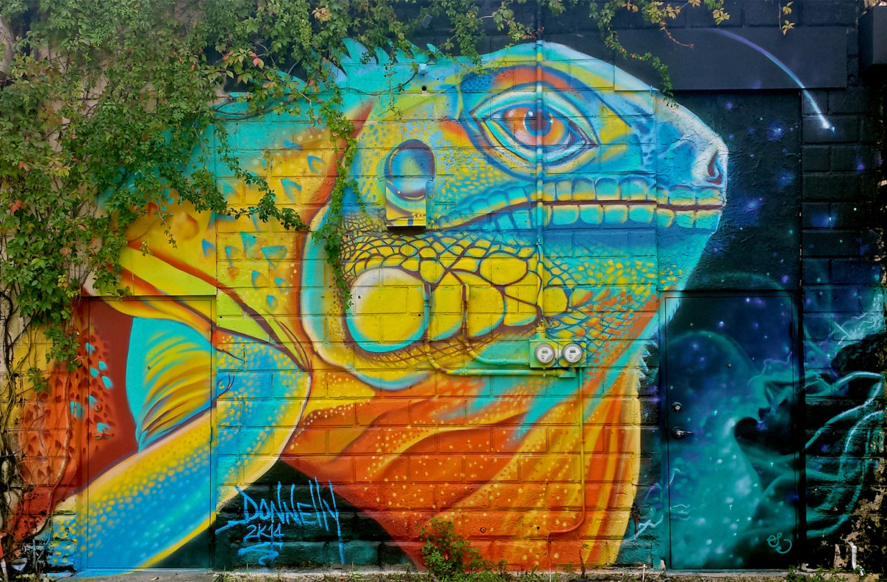 Walking mural tours in the central arts district for Arts and crafts shows in florida